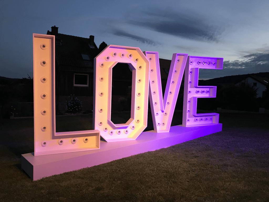 Love XXL Buchstaben mieten Hochzeit Hildesheim